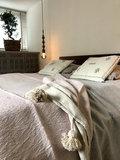 Marokkaans pompom deken 175x285 cm lichtrose met beige_