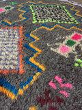 Donkergrijs/bruin Ourika kleed met neon kleuren 94x148cm_