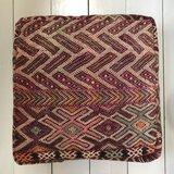 VERKOCHT - Marokkaanse kelim poef 60x60x25cm_