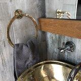 Goudkleurige handdoek houder_