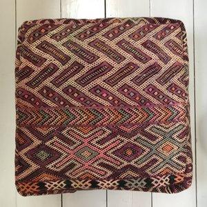 VERKOCHT - Marokkaanse kelim poef 60x60x25cm